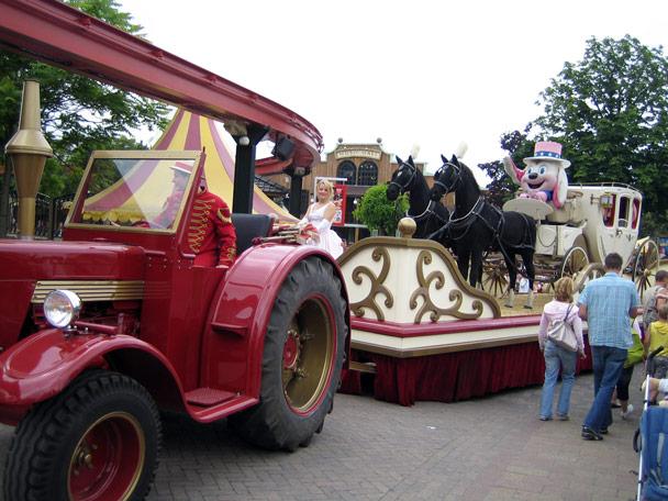 Attractiepark Slagharen Main Street Parade Foto 3